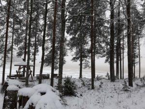 Kuvassa Parkanossä talvinen järvimaisema.