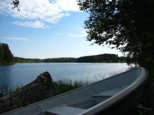 Soutuvene Vilppulankosken etualalla.