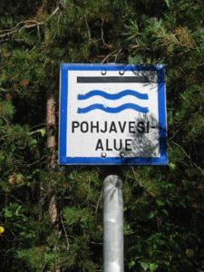 kyltti, jossa lukee pohjavesialue.