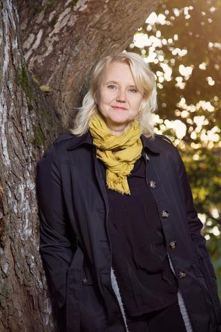 kuvassa blogin kirjoittaja Minna Nore. Kuva Johanna Sjövall